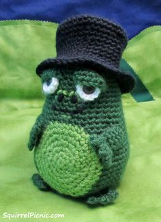 Mayor Snack Frog Crochet Pattern by Squirrel Picnic