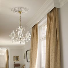 Cornice melds with Ceiling Crown Molding idea - will hide traverse rod with sheers nicely! Pelmet Box, Window Cornices, Window Coverings, Bedroom Window Dressing, Kitchen Window Dressing, Curtain Box, Curtain Pelmet, Valance, Curtain Panels