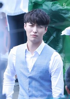 Having a bad day? Yixing can relate Kyungsoo, Yixing Exo, Chanyeol, Lay Exo, Changsha, Meme Faces, Funny Faces, 5 Years With Exo, Exo Korean