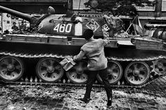On August a Czech photographer took to the streets to document the chaos unfolding on his doorstop: some soldiers from five Warsaw Pact countries sent to destroy the Prague Spring. Marie Curie, Magnum Photos, Prague Spring, Classic Photographers, Dark Landscape, World Conflicts, Warsaw Pact, Photographer Portfolio, Modern History