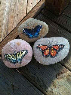 ❤~Piedras  Pintadas~❤ ♥ ⊰❁⊱ Hand painted rocks.