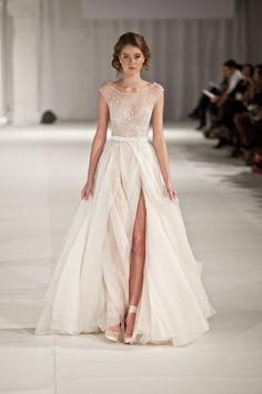 Свадебное платье в стиле бохо P. Sebastian Haute Couture