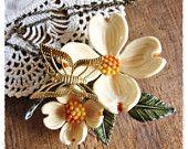 Bee Vintage Redux - dogwood necklace