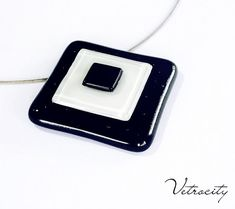 Fused glass pendant in black and white. Free shippng by Vetrocity, $37.00 #vetrocity, #fusedglassnecklace, #glassfusing