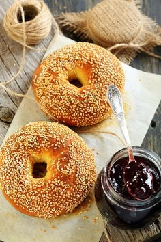 Homemade Bagels Lingonberry Jam On Old Stock Photo (Edit Now) 192759950 Healthy Eating Tips, Healthy Nutrition, Easy Cooking, Healthy Cooking, Tefal Snack Collection, Nutritional Yeast Recipes, Homemade Bagels, Cooking For Beginners, Sandwiches For Lunch