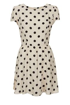 Duchess of Cambridge wore to this dress to the inauguration of the Harry Potter Walt Disney Studio : Petite Polka Dot Skater Dress by Topshop