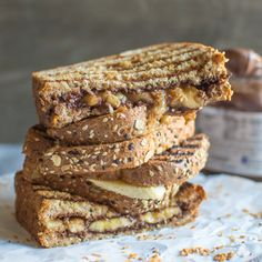 Looking for Fast & Easy Lunch Recipes, Sandwich Recipes! Recipechart has over free recipes for you to browse. Find more recipes like Grilled Banana Nutella Sandwich. Healthy Sandwiches, Wrap Sandwiches, Nutella Sandwich, Grilled Bananas, Vegan Lunch Box, Delicious Desserts, Dessert Recipes, Recipe Finder, Simply Recipes