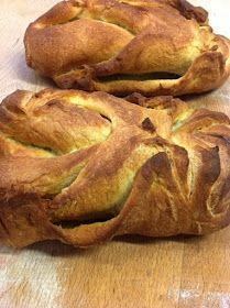 Un pan muy vistoso y muy rico, ademas de fácil de hacer así que si os animáis ahí va la receta Ingredientes: primero vamos a hacer un prefer...