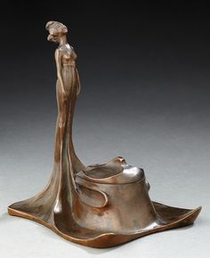 French Art Nouveau bronze inkwell with the figure of a woman, 14.5 cm.