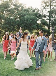 wedding party photo by | CHECK OUT MORE IDEAS AT WEDDINGPINS.NET | #bridesmaids