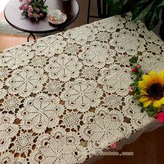 Aliexpress.com: Compre Handmade crochet toalha de mesa de crochê flor de chá toalha de mesa bordados casa de decoração de casamento [ pode costume ] 90% de confiança botão de pano fornecedores em King Love Home