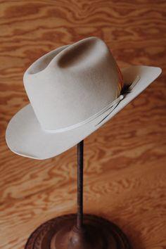 5d165fe8ac458 Vintage SWEETHEART of the RODEO John B. STETSON Company Beaver Fur Felt 4X  Cowboy Hat 7 1 4