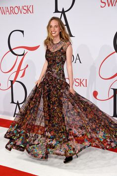 Uma Thurman and Ethan Hawke's Daughter Maya Thurman-Hawke Is All Grown Up and So Glam in Zac Posen. The 16-year-old attended the 2015 CFDA Awards and rocked the red carpet like a natural.