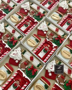 Simple Christmas cookie recipes Easy to Copy : Page 20 of 32 : Creative Vision Design Christmas Cookies Gift, Easy Christmas Cookie Recipes, Christmas Sweets, Easy Cookie Recipes, Noel Christmas, Christmas Goodies, Christmas Baking, Holiday Recipes, Europe Christmas