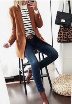 outfit casual Du marine pour changer un peu du noir associé au camel 🙂 Navy, um ein wenig schwarz mit Kamel 🙂 verbunden zu ändern 30 Outfits, Mode Outfits, Casual Winter Outfits, Fall Outfits, Fashion Outfits, Fashion Trends, Blazer Fashion, Womens Fashion, Denim Fashion
