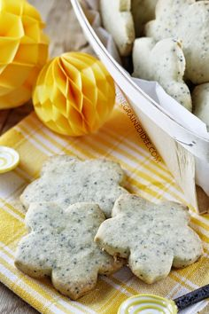 Sablés Pavot Citron Vanille Biscuit Cupcakes, Biscuits, My Recipes, Muffins, Dairy, Cheese, Fruit, Macarons, Cookies