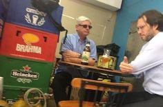 Janot não tirou os óculos escuros durante a conversa