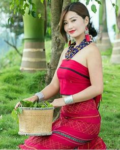 Northeast India, Western Outfits, Occasion Wear, Indian Ethnic, Modern Fashion, Traditional Dresses, Refashion, Asian Beauty, Lounge Wear