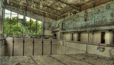 Pripyat Pool (Ukaine, near Tchernobyl).