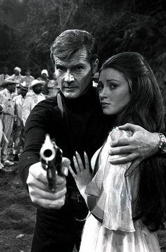 007 James Bond - Live and Let Die James Bond Actors, James Bond Movies, Roger Moore, Jane Seymour, Best Bond Girls, New Bond Girl, Casino Royale, George Lazenby, Bond Series