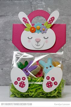 Die-namics: Treat Bag Topper, Cottontail Cutie, Stitched Flowers Karolyn LonconYou can fi. Easter Candy, Easter Treats, Diy And Crafts, Crafts For Kids, Paper Crafts, Box Creative, Chocolate Bunny, Bag Toppers, Treat Holder