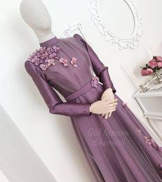 Newest Short Haircuts Ideas For Women - bella Abaya Fashion, Muslim Fashion, Fashion Dresses, Dress Outfits, Casual Dresses, Hijab Dress Party, Dress Pesta, Hijab Style, Muslim Dress