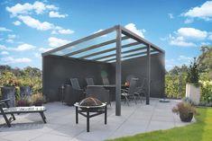 Deze vrijstaande aluminium Legend overkapping is flexibel in de tuin te plaatsen. Zo is het niet nodig om deze aluminium veranda aan uw huis vast te zetten, wat u de vrijheid geeft om hem overal in uw tuin neer te zetten. Door deze vrijstaande aluminium overkapping van A-merk Gardendreams strategisch te plaatsen heeft u vrij uitzicht over uw tuin. Dit doet u door de lage achterkant met de goot naar achter te plaatsen en de hoge kant aan de voorkant.  #overkappping #tuin #aluminium Playground Flooring, Diy Playground, Ancient Chinese Architecture, Garden Canopy, Chinese Garden, Garden Architecture, Natural Scenery, Winter Garden, Outdoor Living