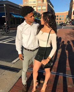 Everyone else really wants to as happy as they possibly can be with their partner. Check out these 23 things couples can do to build and sustain a happier and healthier relationship. Couple Goals Relationships, Relationship Goals Pictures, Couple Relationship, Healthy Relationships, Black Couples Goals, Cute Couples Goals, Young Black Couples, Dope Couples, Matching Couple Outfits