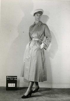 CRACKNYL  Balenciaga, beige cracknyl raincoat with double botton tab, summer 1949