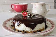 Hoy os traigo 4 tartas de mousse irresistibles, fáciles de hacer y además sin necesidad de usar el horno.Así no tendremos problemas con que se nos queme el bizc