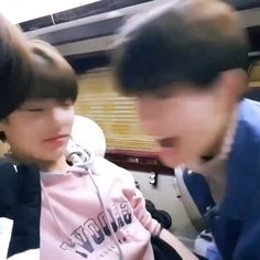 Baby Jeongin looks so little and Seungmin 💜💜 Stray Kids Seungmin, Felix Stray Kids, Kpop Gifs, K Pop, How To Stop Procrastinating, Crazy Kids, Kid Memes, Lee Know, Kids Videos