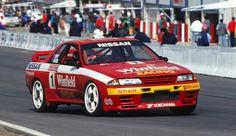 R32 Nissan Skyline GT-R race car from 1991