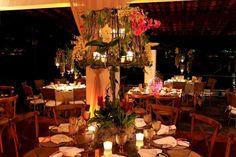 Arranjo rústico para mesa de convidados no décor de Cris Magalhães - Foto Japiassú