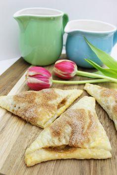 Einfaches und schnelles Rezept für Bratapfel Taschen | Blätterteig | Apfel Hörnchen | Party Snack