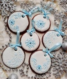 Cookies recipes gingerbread holidays super ideas – Famous Last Words Christmas Sugar Cookies, Christmas Cupcakes, Christmas Gingerbread, Noel Christmas, Christmas Treats, Christmas Baking, Gingerbread Cookies, Cookie Icing, Cupcake Cookies