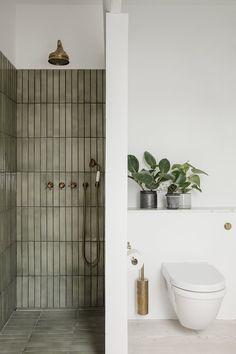 Home Decor Apartment Gorgeous bathroom with separate shower featuring green tiles.Home Decor Apartment Gorgeous bathroom with separate shower featuring green tiles Bathroom Inspo, Bathroom Inspiration, Bathroom Ideas, Earthy Bathroom, Interior Inspiration, Bathroom Organization, Bathroom With Window, Nature Bathroom, Budget Bathroom