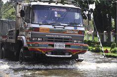 Heavy duty truck | Nissan Diesel | Thailand floods 2011