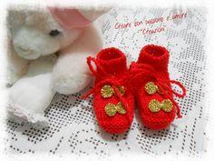 Babbucce primi mesi ai ferri by https://www.facebook.com/CreareconpassioneeamoreCreazioni/ #handmade #knitting #Christmas #wool #baby #lemaddine
