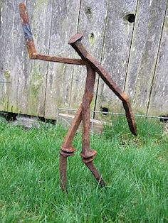 "Fantastic ""metal tree art projects"" info is readily available on our website. Check it out and you will not be sorry you did. Metal Yard Art, Metal Tree Wall Art, Scrap Metal Art, Railroad Spikes Crafts, Railroad Spike Art, Sculpture Metal, Tree Sculpture, Abstract Sculpture, Leaf Wall Art"
