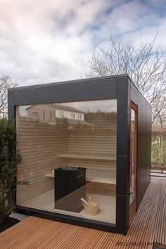 Design garden sauna with panoramic glazing - black box by design @ garten - Alfred Hart - design garden house and balcony cabinets from Augsburg Terrasse Design, Patio Design, Saunas, Rooftop Garden, Indoor Garden, Outdoor Sauna, Outdoor Decor, Design Sauna, Sauna House