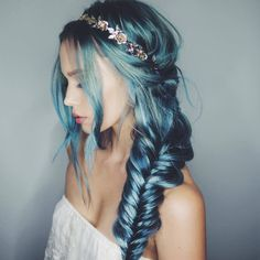 Channel Your Inner Ariel with These 50 Mermaid Hair Color & Styling Ideas! Pretty Hairstyles, Braided Hairstyles, Hairstyle Ideas, Bohemian Hairstyles, Latest Hairstyles, Hairstyles Haircuts, Corte Y Color, Christmas Hairstyles, Dye My Hair