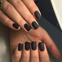 There are three kinds of fake nails which all come from the family of plastics. Acrylic nails are a liquid and powder mix. They are mixed in front of you and then they are brushed onto your nails and shaped. These nails are air dried. Black Sparkle Nails, Black Nails Short, Black Acrylic Nails, Black Coffin Nails, Matte Black Nails, Black Manicure, Matte Gel Nails, Black Nail Art, Black Acrylics