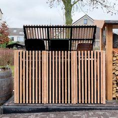 Koop kliko ombouw in Douglas hout | Bekijk onze Douglas collectie Bin Storage Ideas Wheelie, Garbage Shed, Outdoor Trash Cans, Back Garden Design, Diy Outdoor Furniture, Diy Shed, Interior Garden, Outdoor Living Areas, Garden Projects