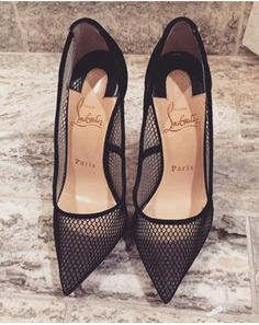 Image about fashion in Sapatos by Elly on We Heart It Christian Louboutin, Louboutin Shoes, Shoes Heels, Cute Shoes, Me Too Shoes, Heeled Boots, Shoe Boots, Crazy Shoes, Mode Style