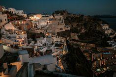 intimate-wedding-santorini-fanarivillas_76 Santorini Hotels, Santorini Wedding, Mykonos, Beautiful Couple, Beautiful Pictures, Big Kiss, White Building, Samos, Things Happen