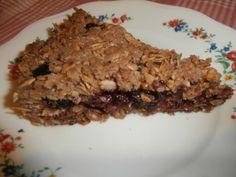 Пирог из песочного теста с ягодой и овсянкой