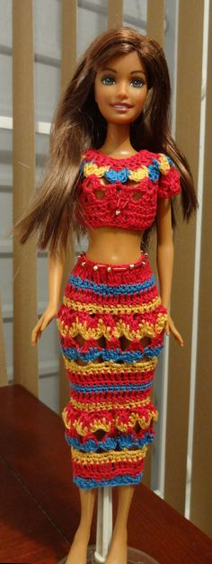Hice este conjunto inspirada en la ropa Hindu. Me falta hacerle el SARI pero ese tengo que utilizar tela nylon.