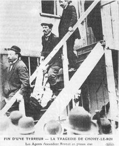 Le corps de Bonnot est descendu par des policiers.