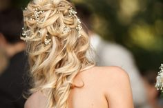 coiffure cheveux longs, fleurs