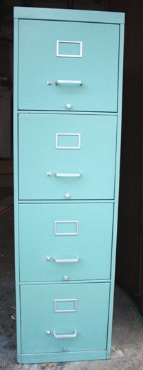 I want this to go with my new desk. Love the aqua!